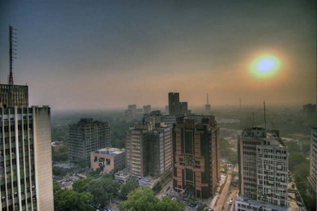 Smog over Delhi (image courtesy - http://www.triplepundit.com/2012/01/air-pollution-south-asia-reaches-epic-levels/)